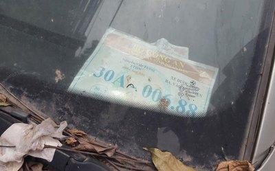 Xế sang BMW 3 Series đời cũ bị bỏ rơi tại Hà Nội 4a