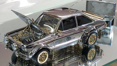 Mô hình ô tô làm từ đá quý giá 360.000 USD khiến dân chơi ô tô mê mệt 1