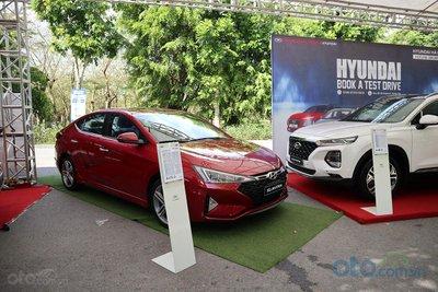 Hyundai Santa Fe và Hyundai Elantra