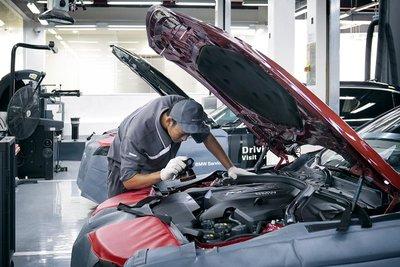 Xưởng dịch vụ BMW 8