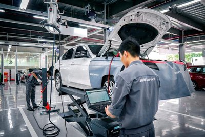 Xưởng dịch vụ BMW 3