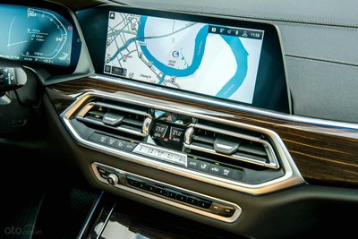 Trang bị công nghệ hiện đai trên BMW X5