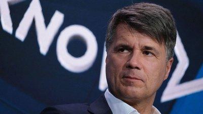 """Lãnh đạo BMW xin từ chức vì để đối thủ Mercedes-Benz """"thăng hạng"""" a1"""