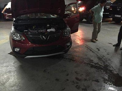Khách hàng phản ánh VinFast Fadil bị chảy dầu, bốc khói khi chạy và cách giải quyết của hãng 3a