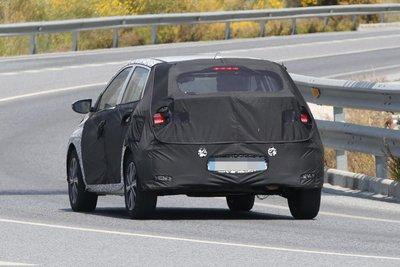 Hyundai i20 2020 chuẩn bị ra mắt cuối năm nay mang dáng vóc như Elantra 5a