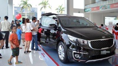 Lượng ô tô tiêu thụ trong tháng 6/2019 tăng nhẹ a1