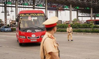 CSGT ra quân tổng kiểm tra mô tô, xe khách, xe tải trong vòng 1 tháng 1a