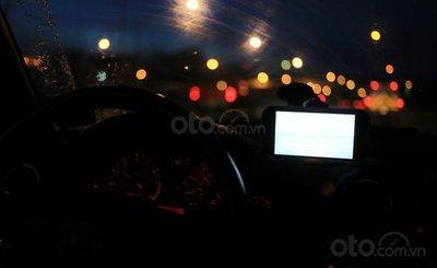 Những điều nên và không nên làm khi lái xe buổi tối 2