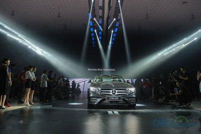 Tâm điểm của sự kiện là màn ra mắt phiên bản mới Mercedes-Benz E 350 AMG.