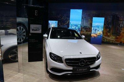 Giá xe Mercedes-Benz E200 Sport 2019 a3
