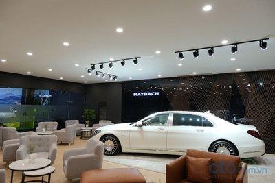 Những chiếc siêu sang Mercedes-Maybach sẽ được trưng bày ở khu vực riêng biệt..