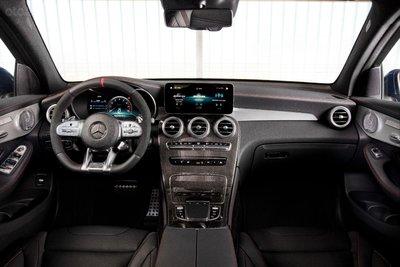 Mercedes-AMG GLC 43 4Matic 2020 trang trí nội thất mãn nhãn