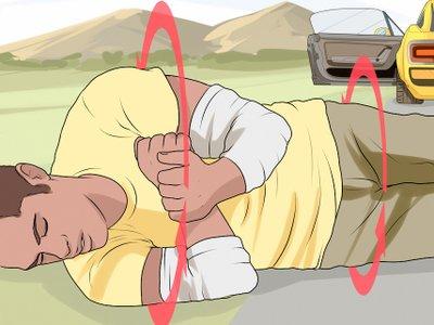 Trường hợp khẩn cấp cần nhảy ra khỏi xe ô tô như nào cho an toàn? 11a