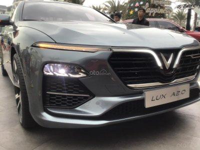 Giá xe VinFast LUX A2.0 tháng 9/2019.