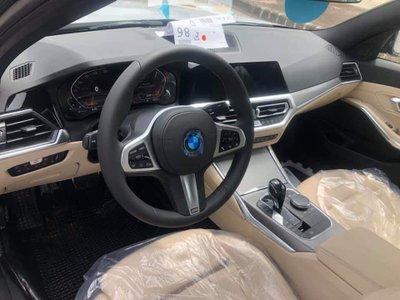 BMW 3-Series 2019 xuất hiện tại đại lý, khách sẵn sàng đặt thêm gói độ hàng trăm triệu a5
