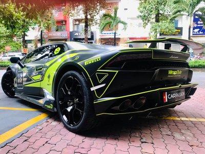 Lamborghini Huracan LP610-4 tại Nam Định cực ngầu với lớp decal đậm chất xe đua a4