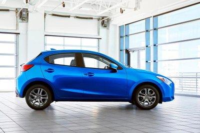 Toyota Yaris 2020 áp dụng chính sách giá hấp dẫn a3