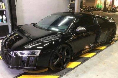 Cường Đô la rao bán Audi R8 V10 Plus