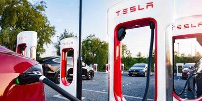 """Khách hàng bất bình vì Tesla """"có mới nới cũ"""" a8"""