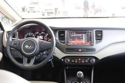 Thông số kỹ thuật xe Kia Rondo 2019 bản Standard MT vừa ra mắt Việt Nam a2