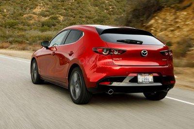 Mazda 3 hatchback đổi tên thành Mazda 3 Sportback nhấn mạnh tính thể thao của đời mới