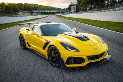 Điểm danh những mẫu xe thể thao công suất khủng, giá hấp dẫn nhất hiện nay a1