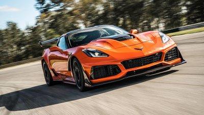 Điểm danh những mẫu xe thể thao công suất khủng, giá hấp dẫn nhất hiện nay a7