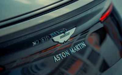 Aston Martin DB11 màu độc giá hơn 16 tỷ vừa về Việt Nam a9