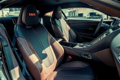 Aston Martin DB11 màu độc giá hơn 16 tỷ vừa về Việt Nam a8