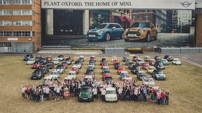 MINI chào mừng chiếc xe thứ 10 triệu xuất xưởng tại nhà máy Oxford a1