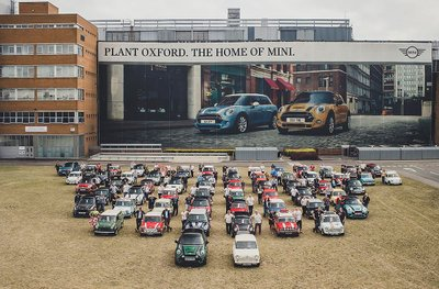 MINI chào mừng chiếc xe thứ 10 triệu xuất xưởng tại nhà máy Oxford a3