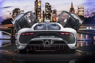 Siêu xe Mercedes-AMG Project One lùi lịch giao xe 2 năm, khách hàng chỉ biết câm nín a2
