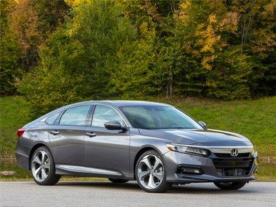 Top 5 mẫu xe sở hữu nhiều giải thưởng danh giá nhất năm 2019 - Honda Accord.