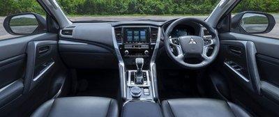 Mitsubishi Pajero Sport 2020 nâng cấp nội thất hiện đại