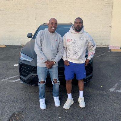 """Rapper Kanye West tặng quà """"siêu to khổng lồ"""" Lamborghini Urus"""