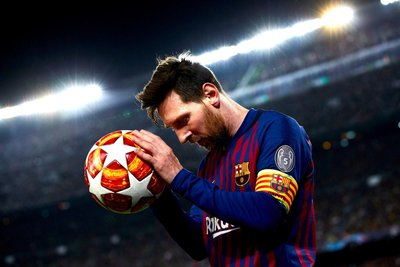 Messi trở lại với Barca
