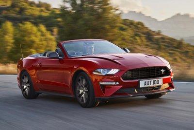 Ford Mustang55 được phát triển dựa trên Mustang GT