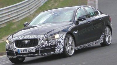 Facelift là bản nâng cấp của phiên bản xe hiện hành, thường được giới thiệu trước khi phiên bản mới ra mắt .