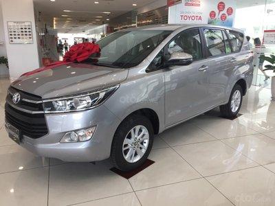 """Sợ vía tháng """"cô hồn"""", đại lý sale sập sàn Toyota Innova 2019 bản E và Venturer a1"""