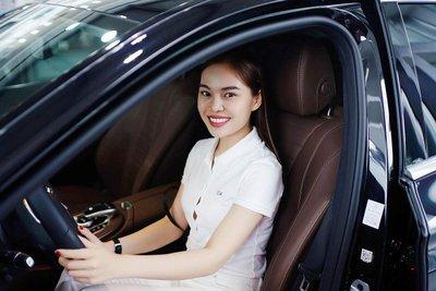 Ca sĩ Giang Hồng Ngọc chi 2,1 tỷ đồng sắm xế sang Mercedes-Benz E 200 2019 a8