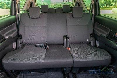 Nội thất Suzuki Ertiga 2019 chỉ có nội thất nỉ.