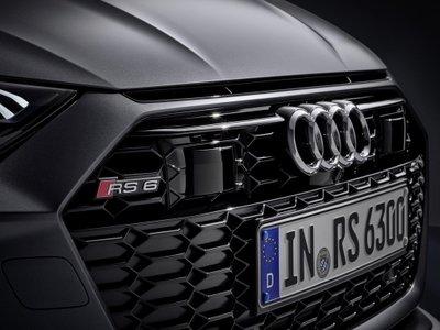 Audi RS6 Avant 2020 sở hữu phần đầu xe với thiết kế đặc trưng