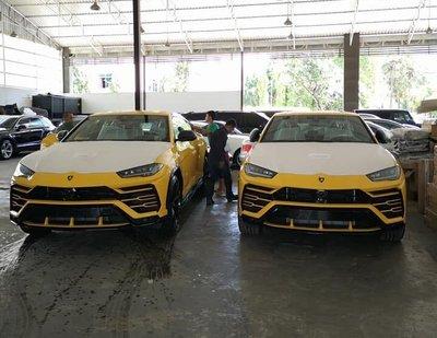 Bộ đôi Lamborghini Urus