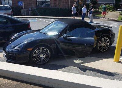 Chủ xe Porsche bị bắt giữ