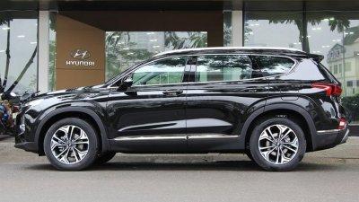 Giá xe Hyundai Santa Fe tại đại lý tháng 8 có gì hấp dẫn?.