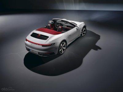 Carrera là phiên bản dành cho những người yêu thích và bắt đầu tiếp cận dòng xe huyền thoại Porsche 911 1.