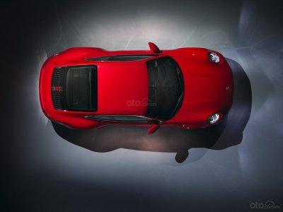 Carrera là phiên bản dành cho những người yêu thích và bắt đầu tiếp cận dòng xe huyền thoại Porsche 911 2.