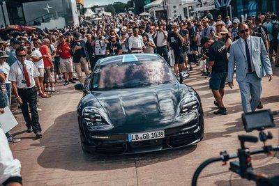 Volkswagen chuyển hướng sản xuất xe điện