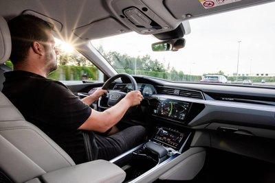 Xe điện Audi E-Tron đi qua 10 nước châu Âu trong 24 giờ a2
