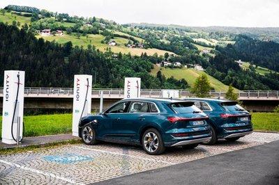 Xe điện Audi E-Tron đi qua 10 nước châu Âu trong 24 giờ a3